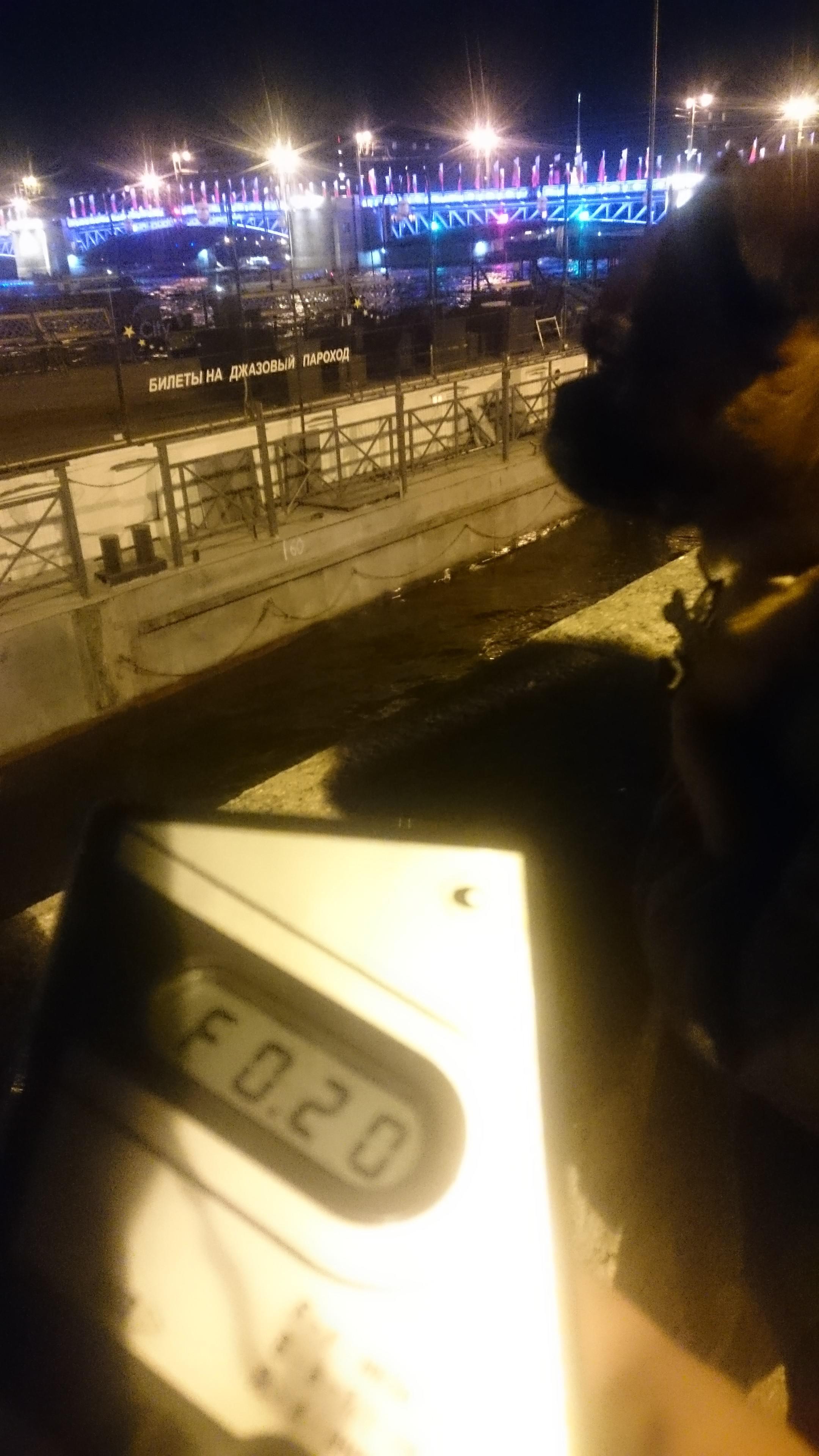 Точка измерения МЭД гамма-излучени на Адмиралтейской набережной в Санкт-Петербурге